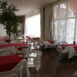結婚式が終わった後も使えるカフェ。1周年ディナーなどの予約も可能。当日はゲストのお待合として