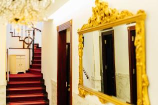 お城のような世界が広がる館内|北野異人館 旧レイン邸の写真(4079543)