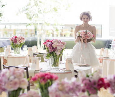 〈Pink×Green〉のコーディネートは、可愛らしい雰囲気が好きな花嫁に人気
