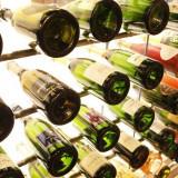 おふたりの生まれ年までご用意できるオリジナルデザインのワインセラー。