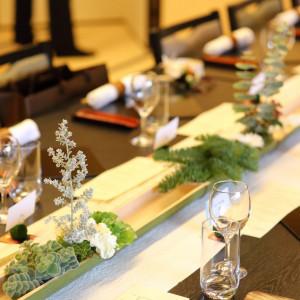 和装にも洋装にも合う様、白とグリーンでシンプルにコーディネートしたり。|三渓園 鶴翔閣(横浜市指定有形文化財)の写真(814104)