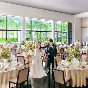 おしゃれな会場コーディネート★ご衣装に合わせて、テーブルクロスやナフキン、お花を変えてイメージ通りの会場を造りましょう!|麗風つくば シーズンズテラスの写真(6358565)