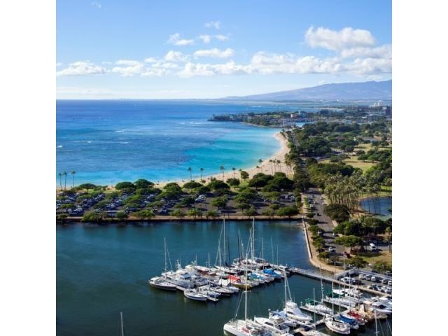 ◆ハネムーン特典◆国内3泊またはハワイ3泊5日のハネムーンプレゼント!