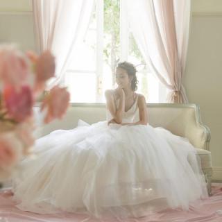 \ドレス30万円特典付き♪/憧れのドレス展示×感動の模擬挙式×絶品試食