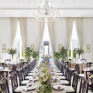 光あふれる白を基調とした明るい会場をおふたりらしい装飾でコーディネート|アクアテラス迎賓館  大津の写真(4998889)