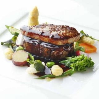 【来館者全員】2万円相当の牛フィレ肉+フォアグラを無料試食【さらに】送迎バスを無料プレゼント