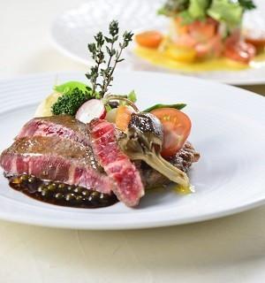 【来館特典】シェフ特製国産牛フィレ×フォアグラ無料試食2名様分