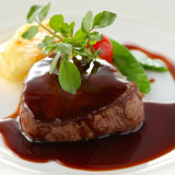 ゲストの方の印象に残るお料理は、見た目も味付けもこだわって!