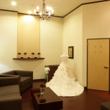 ドレスサロンのフィツティングルーム