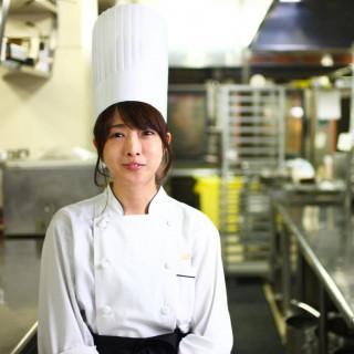 コンクール入賞のパティシエ特製デザート試食付!全館開放フェア