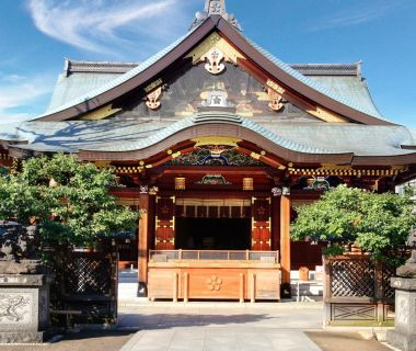 1000年の歴史ある神社で厳粛な神前挙式を