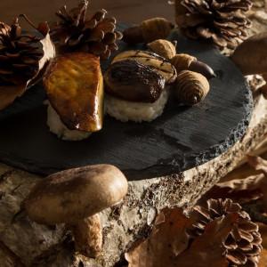 【原木しいたけ寿司とフォアグラ寿司】 秋の味覚を存分に|LA TABLE Aoyama(ラ ターブル アオヤマ)の写真(4656999)