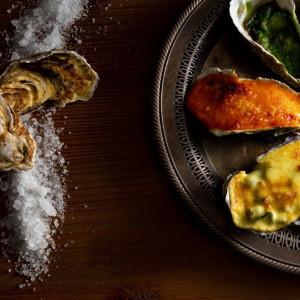 【活牡蠣の3種グラタン】 冬の味覚を表現した一皿|LA TABLE Aoyama(ラ ターブル アオヤマ)の写真(4657052)
