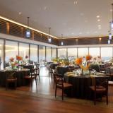 【レストラン THE BLUE】 披露宴会場用に作られたレストランスペースで贅沢な宴を。