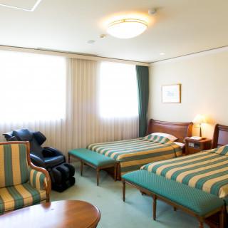 【金曜限定】無料ホテル宿泊×贅沢ディナー付き特別フェア!