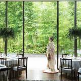 緑に囲まれた空間で日本の伝統衣装を。和モダンでぐっとおしゃれに。