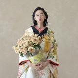 お色直しにも人気の色打掛。京都らしい結婚式をしたい方には外せない。