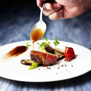 【料理食べ比べ】佐賀牛×高級食材アワビを使った匠の美食会