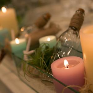 キャンドルや貝殻での装飾も人気です|アジュール日立ウエディングコーストの写真(2080131)