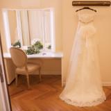 白を基調とした清潔感あるブライズルーム。幸せな花嫁の1日は、ここからスタートします。
