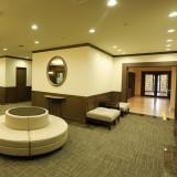 更衣室を完備した列席控室は、挙式まで完全貸切。ゆったりとおくつろぎいただけます。