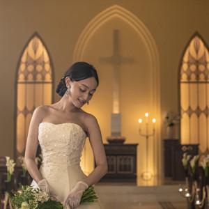 純白のウェディングドレスがよく映える|フランス料理店 ラ・ロシェル福岡の写真(7618867)