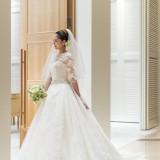 幸せな花嫁の美しさをいっそう引き立てるのがウェディングドレスです。