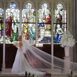 圧巻のステンドグラスが印象的な独立型大聖堂【セントグレース】
