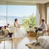 ホテルの客室は全て目の前に長崎港が広がるオーシャンビューで、 大小様々な窓を配置し、そこから見える長崎の風景を まるで一枚の絵画にしたように楽しめるようにしました。