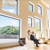 周囲の自然を、窓という『額縁』で切り取り特別な空間に包まれます。