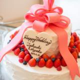 """ウエディングケーキも""""現在""""は様々なデザインが可能!結婚式の記念におふたりだけのケーキをデザインしてみては♫"""
