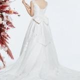 【ウエディングドレス・和装・その他】大人気ブランドからお気に入りの一着を♪
