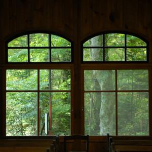 旧軽井沢の賑やかな気配の先に、林の奥に佇む神聖な場所|万平ホテルの写真(1789657)