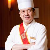 洋食料理長をご紹介いたします。美味しいお料理を提供させて頂きますのは、世界料理オリンピック銀メダリスト小玉でございます。