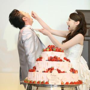 ファーストバイトには一生食べ物に困らないという言い伝えがあります。ケーキの大きさは愛情サイズで♡笑|ホテル金沢の写真(1696425)