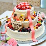 フルーツいっぱいのウェディングケーキ♡