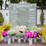 ゲストと記念撮影!フォトブースとお花を満開に!