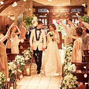 優しい雰囲気のチャペルでゲストの祝福と笑顔に包まれる挙式を|ディアズ水戸スパニッシュガーデンの写真(14520687)