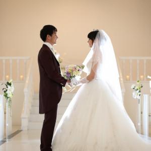 真っ白なチャペルに身を包み、皆様の前で永遠の愛を誓います Arden Bliss(アーデンブリス)の写真(692830)