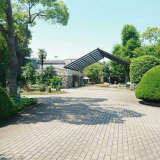 まるでリゾート!【石積みの教会】緑溢れる貸切邸宅見学×相談会