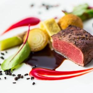 おふたりの大切な料理を「レストラン」のプライドかけて表現します。胸が高鳴るほどの美しさと美味しさを