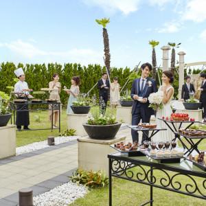 プライベートガーデンでは、特性のスィーツブッフェをご用意した、デザートブッフェパーティがお楽しみ頂けます。■ザ・グランスィート|ザ・グランスイート (-small luxury resort- THE GRAN SUITE)の写真(814242)
