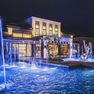 ライトアップされた噴水演出はロマンチックな雰囲気を演出致します|ザ・グランスイート (-small luxury resort- THE GRAN SUITE)の写真(3082769)