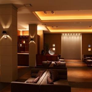 挙式前にご親戚・ご友人の方々に待機していただくウェイティングロビー。 ■ザ・グランスィート|ザ・グランスイート (-small luxury resort- THE GRAN SUITE)の写真(277527)