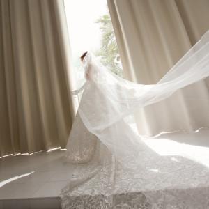 星空から一変♪自然光が純白のドレスが美しく輝く☆ アリラガーデンリゾート(ALILAGARDEN RESORT)の写真(2496490)