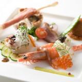 北陸の新鮮な魚介類を使った前菜に、県外ゲストも大満足!