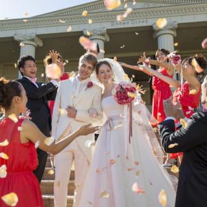 挙式後のフラワーシャワーは結婚式のマストアイテム♪|ヴィラ・グランディス ウェディングリゾート 福井の写真(1426680)