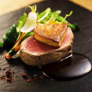 料理が美味しい式場1位(※)に選ばれたララシャンスの絶品伊万里牛コース料理が無料で試食可能♪♪