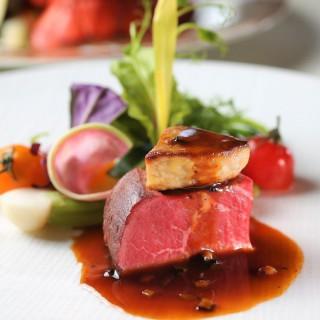 【絶品伊万里牛コース料理が無料で試食可能!】料理が美味しい式場1位(※)に選ばれた自慢のお料理です♪