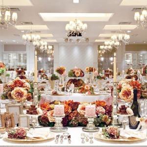 本館2階の披露宴会場『ザ・ジュエルボックス』、コーディネート充実でお二人らしい会場を実現|SHOHAKUEN HOTEL 松柏園ホテルの写真(10119139)